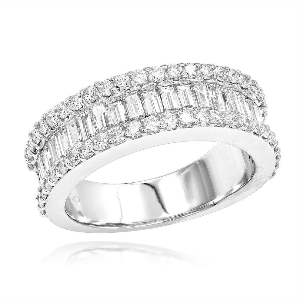 2cd36ca2145011 Shiny 14K Gold & 1.84 Carat Round Diamond Baguette Wedding Band