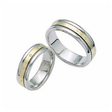 18k Gold His & Hers Two Tone Wedding Band Set 014