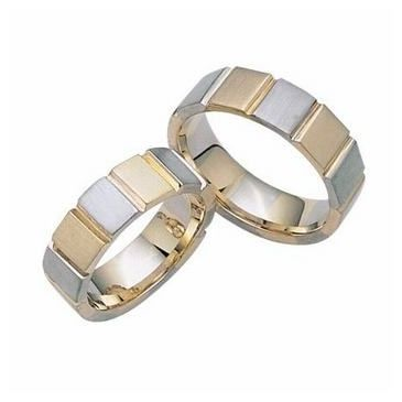 18K Gold His & Hers Two Tone Wedding Band Set 022