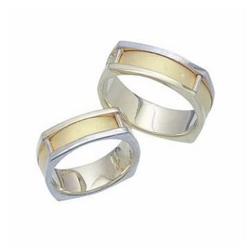 950 Platinum and 18K Gold His & Hers Two Tone Wedding Band Set 025