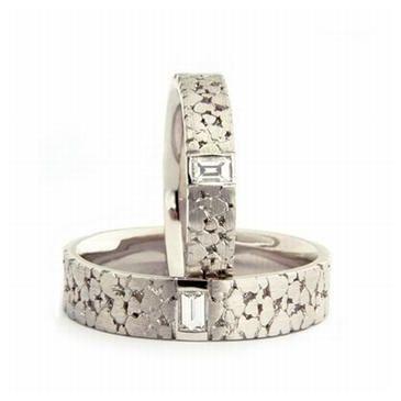 950 Platinum His & Hers 0.11 ct Diamond Wedding Band Set 066