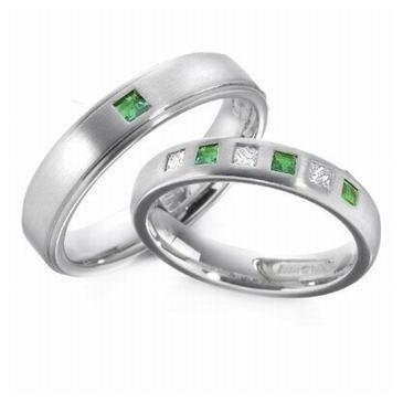 18k His & Hers Gold 0.50 ct Diamond & Emerald 096 Wedding Band Set HH09618K
