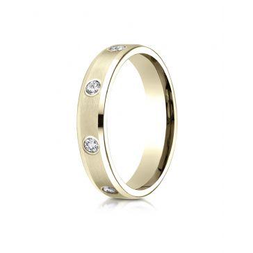 18k Yellow Gold 4mm Comfort-Fit High Polish Edge Satin Center Burnish Set 8-Stone Diamond Eternity Ring (.32ct)