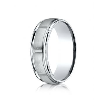 18k White Gold 7mm Comfort-Fit Satin-Finished 8 High Polished Center Cuts and Round Edge Carved Design Band