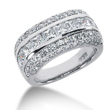 18K Princess Cut Center, Round Brilliant Diamond Anniversary Ring (3.25ctw.)