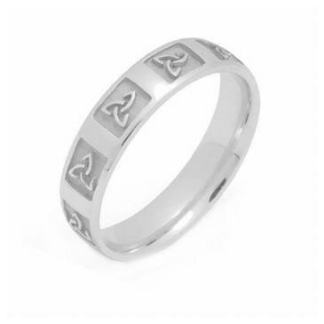 18k Gold 4mm Celtic Trinity Knot Wedding Band C4007